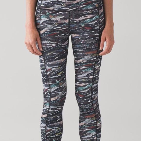 lululemon athletica Pants - Lululemon Fast and Free 7/8 Tight Size 4 VEUC